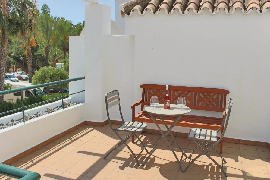 Apartment rental in Marbella with shared pool