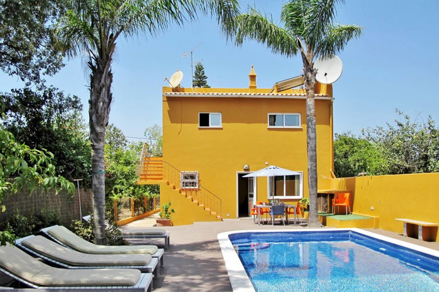 Ferienhaus mit Pool LOU135 Loule