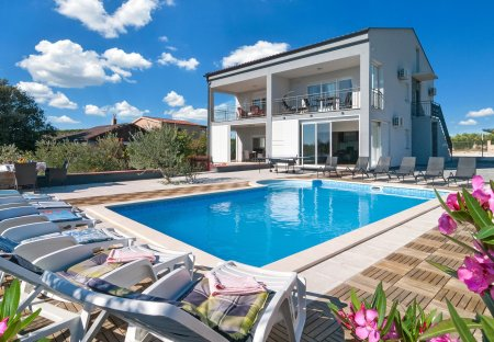 Villa in Vrsine, Croatia
