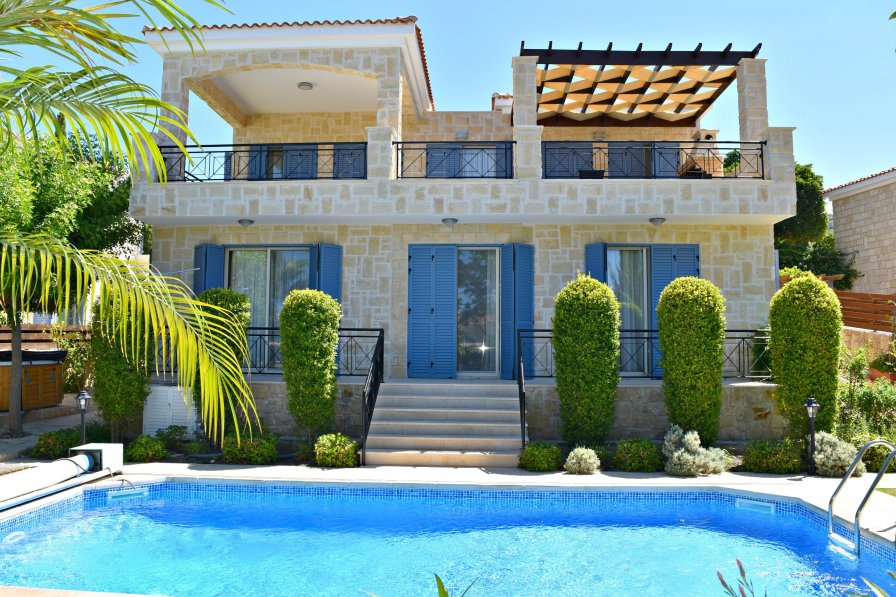 Latchi Beach 4 Bedroom Luxury Villa - Sea Views - Private Pool