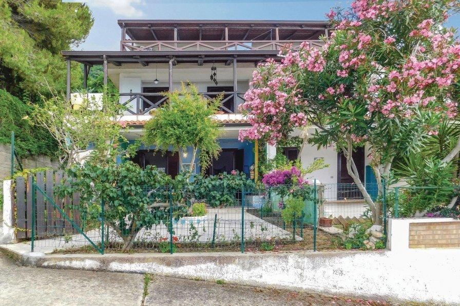 Apartment rental in Marina di Bordila
