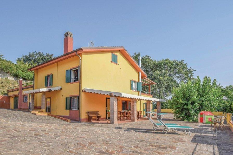 Pesaro holiday villa rental