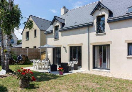 Villa in Saint-Lunaire, France