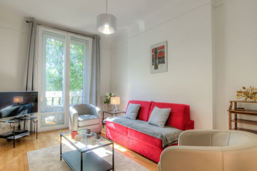 Apartment in France, Auteuil