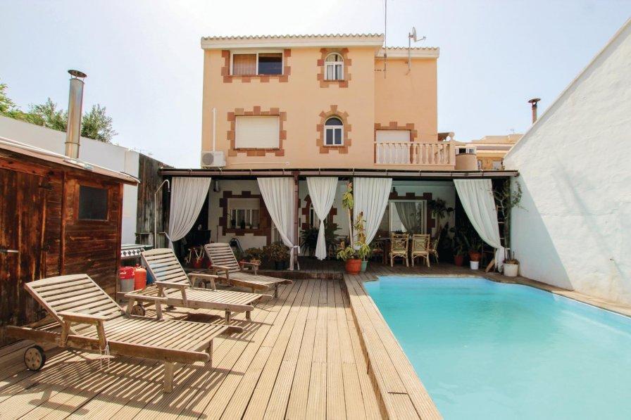 Villa rental in Pilar de la Horadada with swimming pool