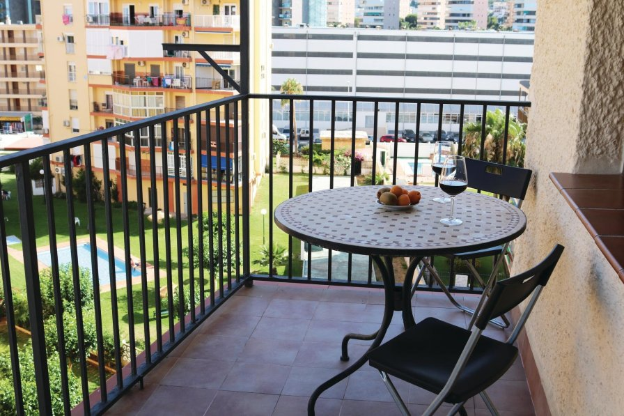Torremolinos holiday apartment rental with shared pool