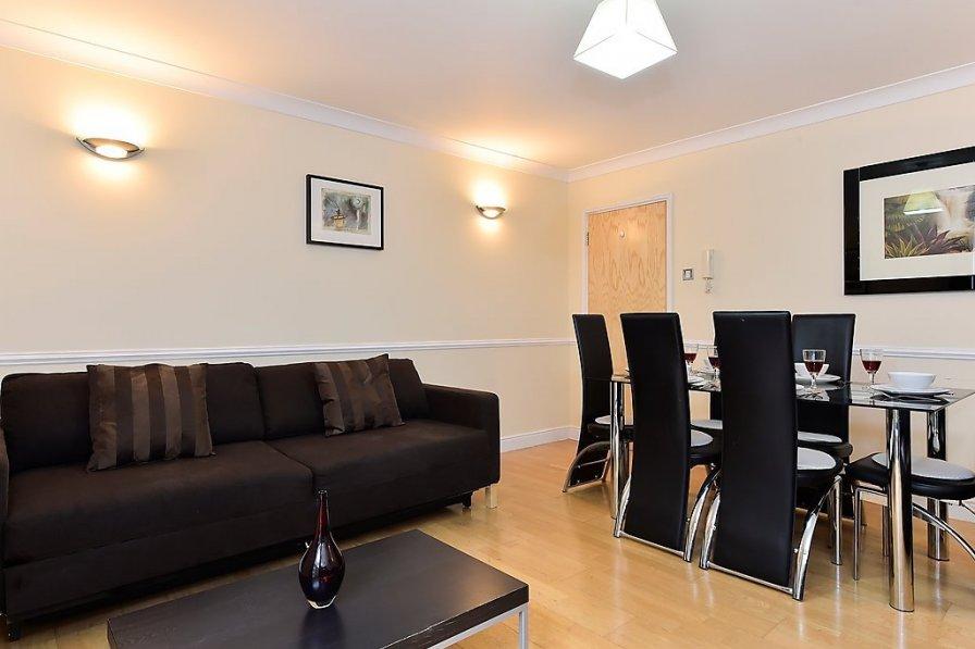 Apartment in United Kingdom, Riverside