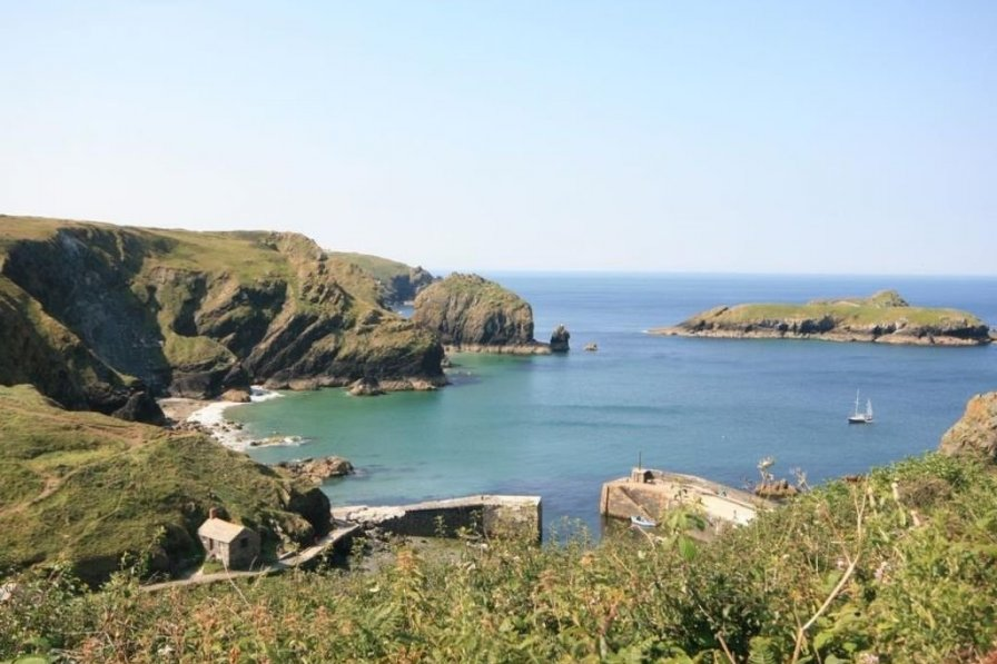 Owners abroad Mullion holiday home to rent