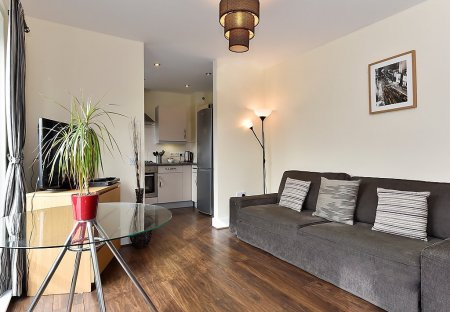 Apartment in Bishop's, London