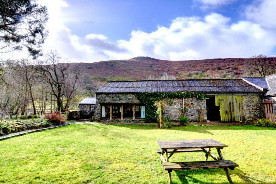 Cottage in United Kingdom, Llanafanfawr