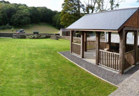 Cottage in Pontardawe, Wales