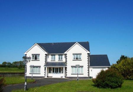 House in Cross Inn, Wales