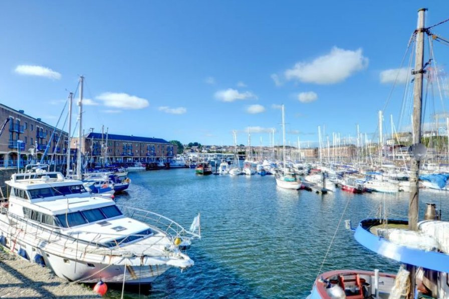 Apartment in United Kingdom, Milford Haven