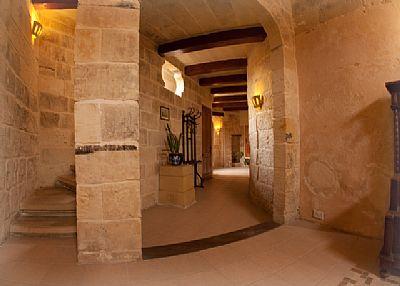 Village house in Malta, Zejtun: Corridor