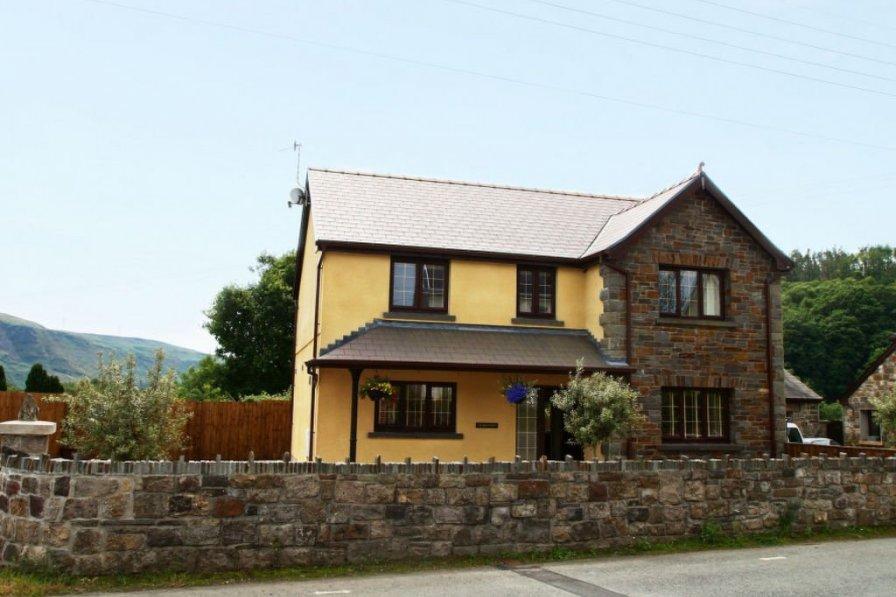 House in United Kingdom, Ystradgynlais