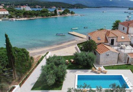 Villa in Lovište, Croatia