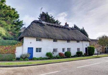 Cottage in St Nicolas, England