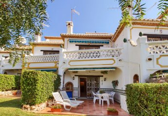 2 bedroom Villa for rent in Sitio de Calahonda