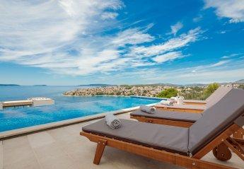 4 bedroom Villa for rent in Okrug Gornji