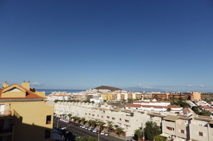 One bedroom apartment in Los Cristianos with sea views