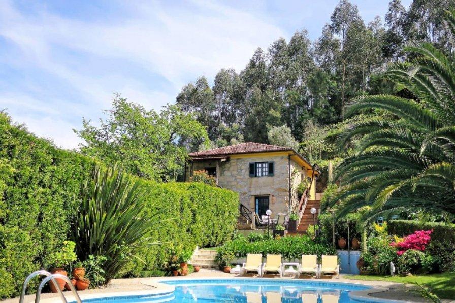 Ferienhaus mit Pool (EDO100)