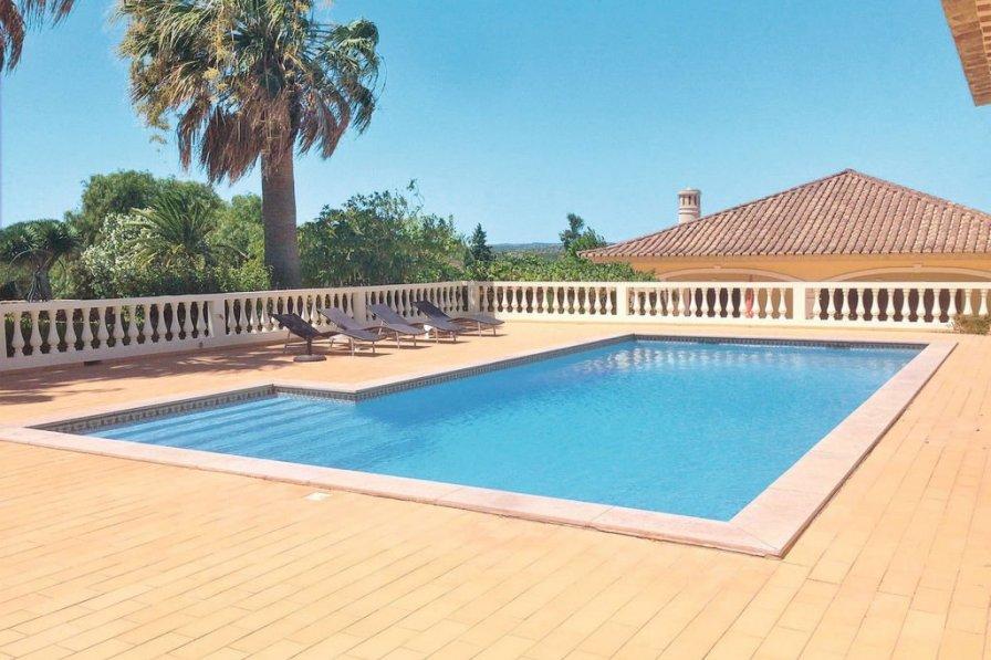 Villa in Portugal, Gaspar Baixo