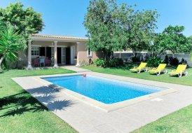 Villa in Estoi, Algarve
