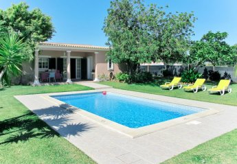 2 bedroom Villa for rent in Faro