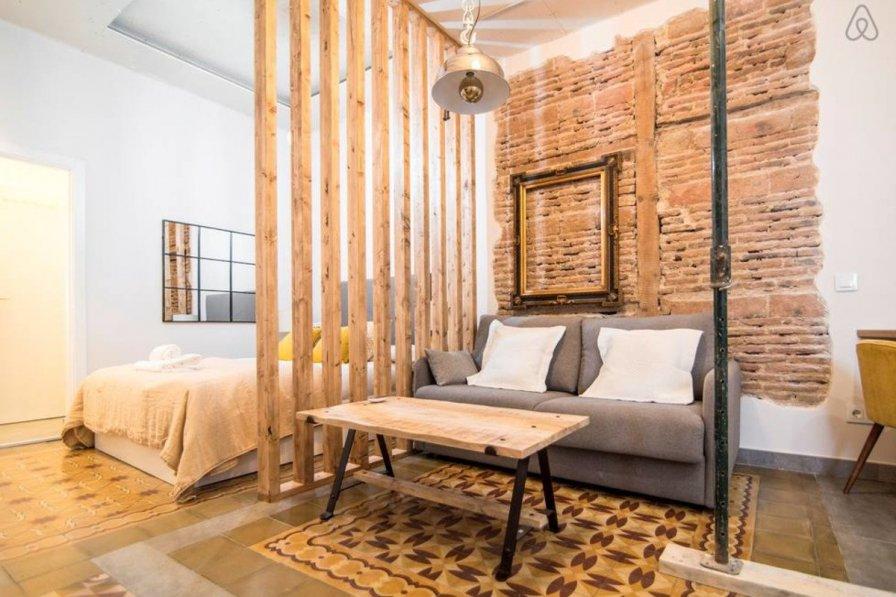 Apartment in Spain, Justicia