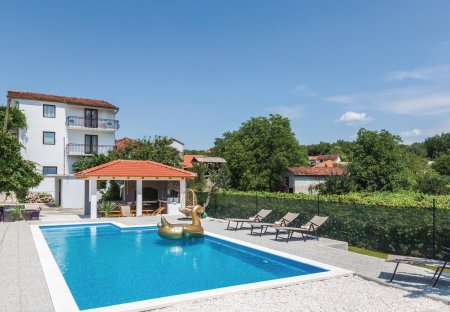 Villa in Zmijavci, Croatia