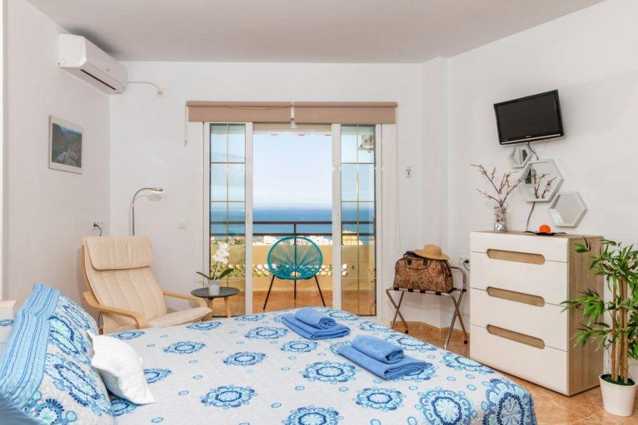 Apartment rental in Torremolinos with swimming pool