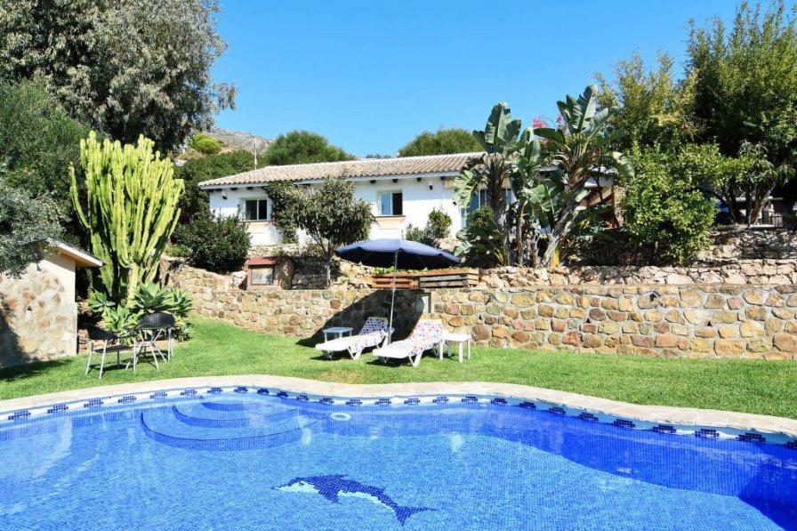 Holiday villa in Rosa De Piedras with private pool