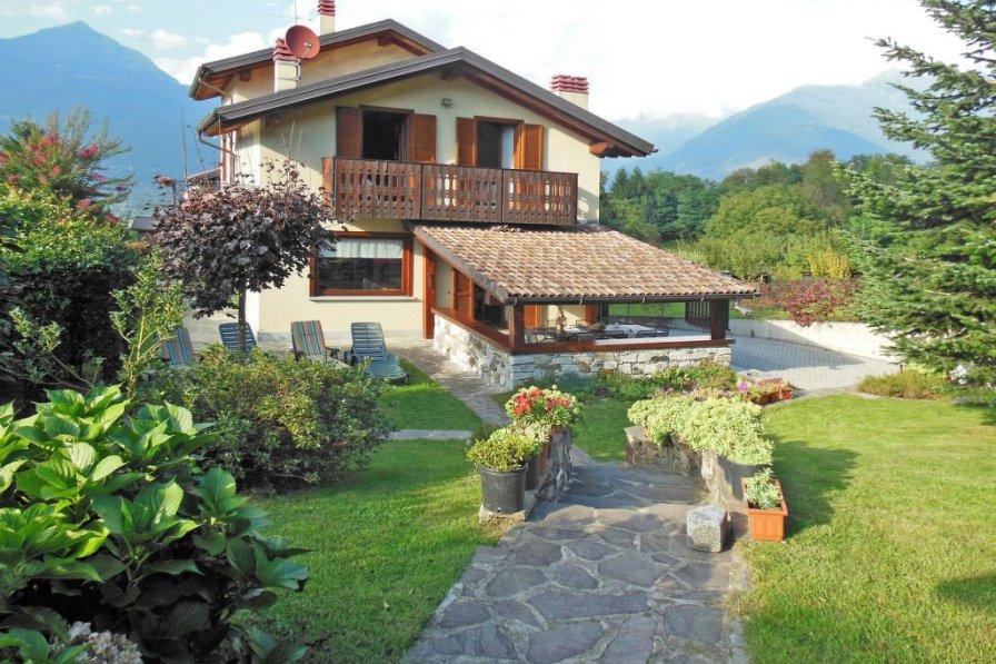 Villa in Italy, Colico