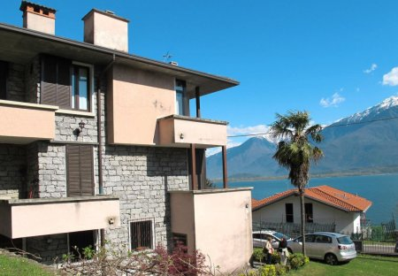 Apartment in Gera Lario, Italy