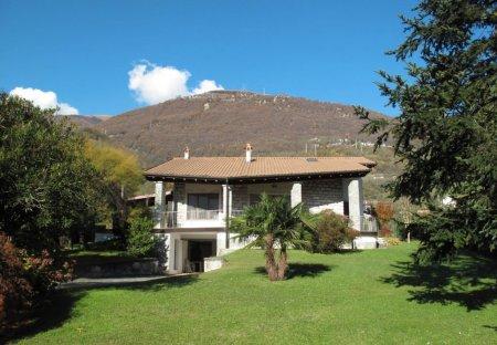 Villa in Gera Lario, Italy