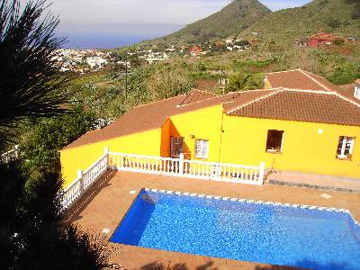 Villa in Spain, Tegueste: House with sea and mountains view