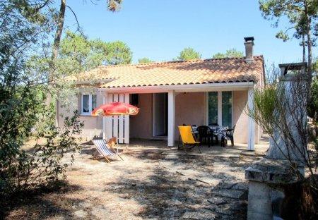 House in Lacanau, France