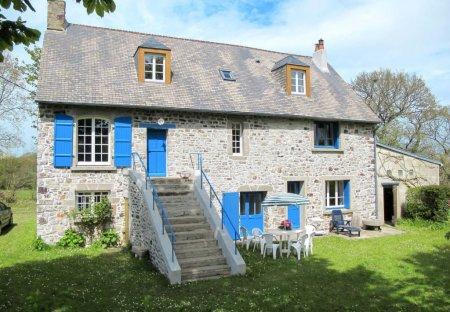 House in Bricquebec-en-Cotentin, France