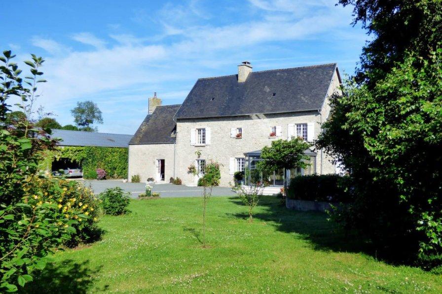 House in France, Biniville