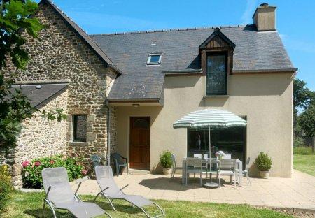 Villa in Le Tronchet, France