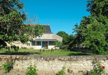 Villa in Huismes, France