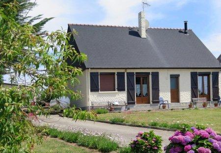 House in Saint-Jacut-de-la-Mer, France