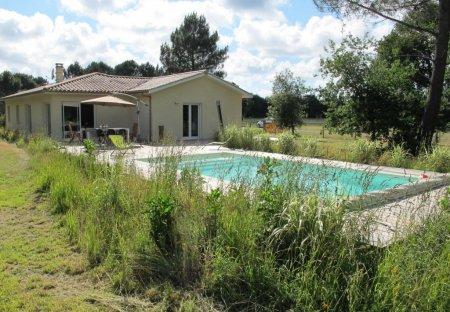 Villa in Hourtin, France
