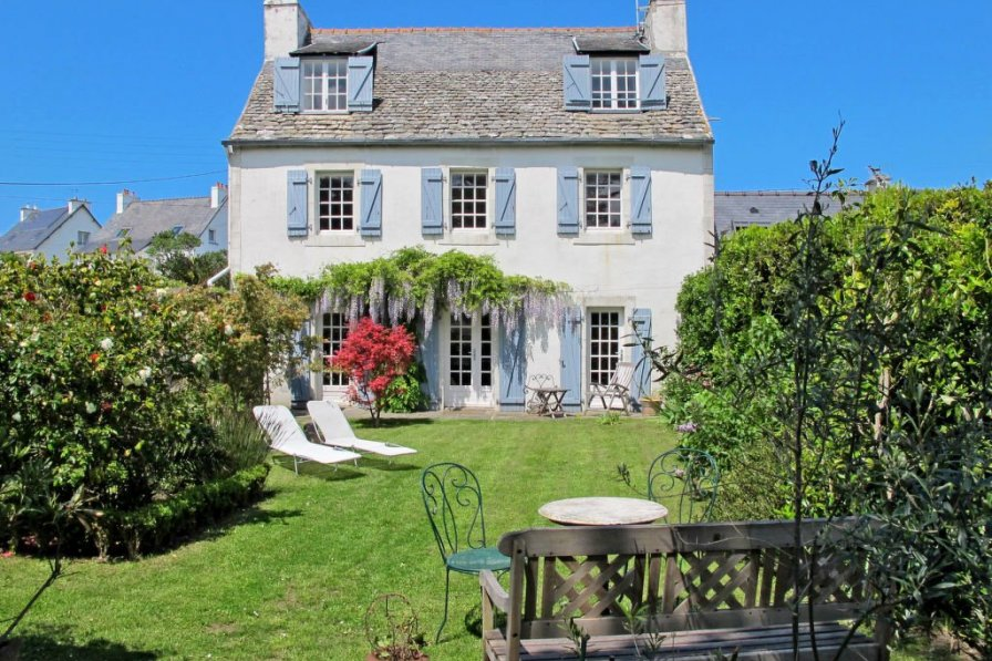 Villa in France, Locquirec