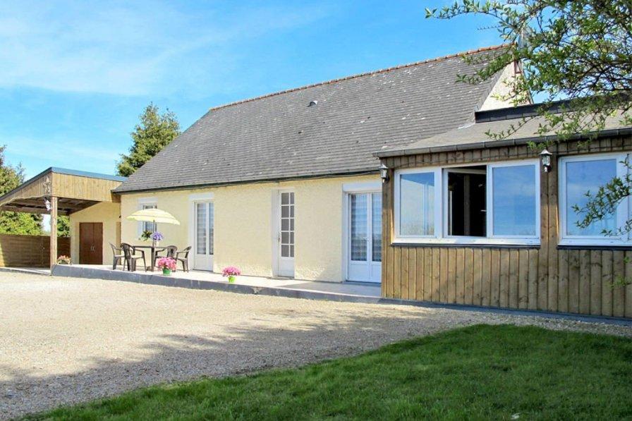 Villa in France, Le Mesnil