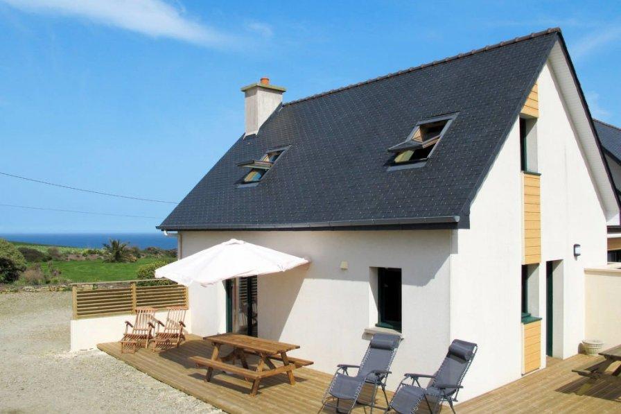 House in France, Guimaëc