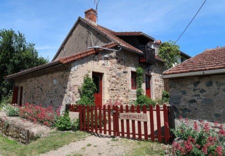 Villa in Chiddes, France