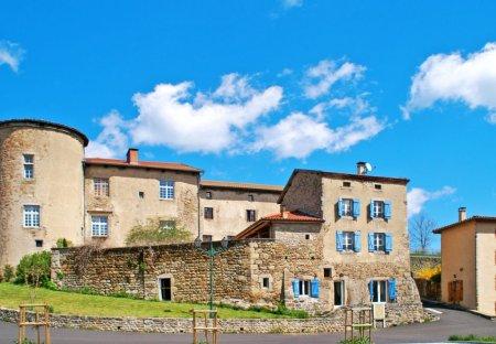 Apartment in Saint-Bonnet-le-Chastel, France