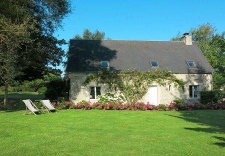 Villa in Audouville-la-Hubert, France