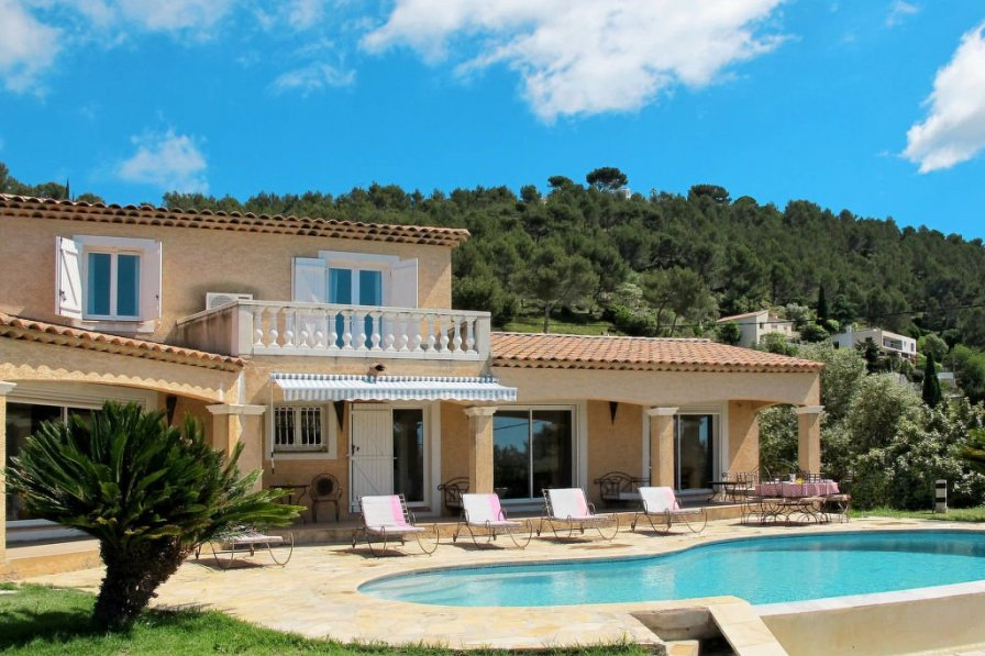 House in France, Carqueiranne